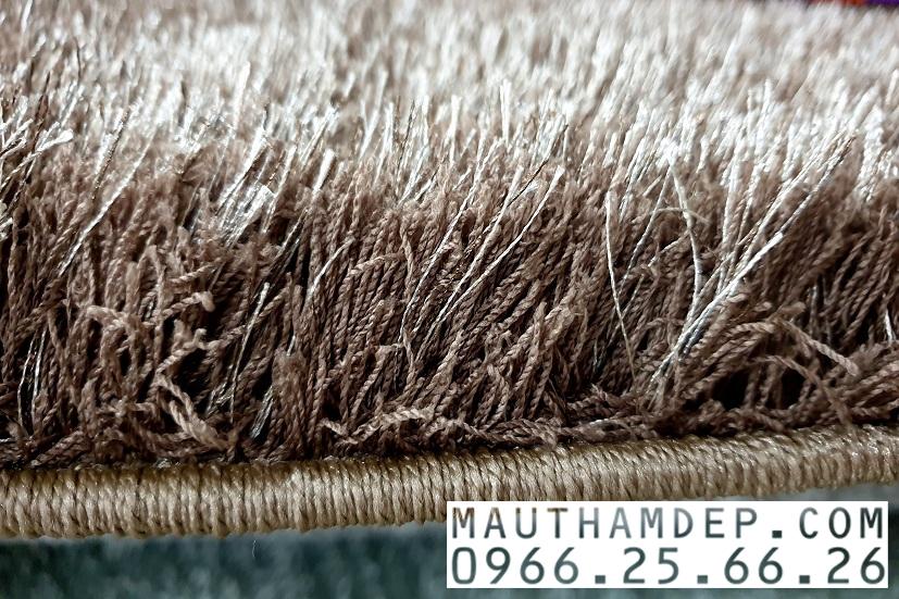 Sợi thảm của thảm lông xù rất dễ dàng vệ sinh, mang lại sự ấm cúng, lịch sự, xa hoa cho ngôi nhà của quý khách.